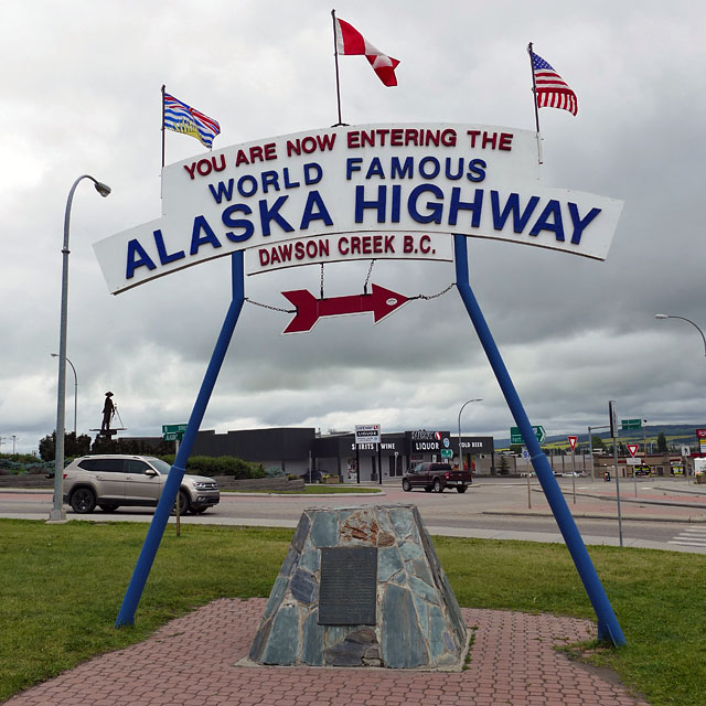 "Anfang des Alaska Highways in Dawson Creek, der sogenannten ""Mile 0 City"""